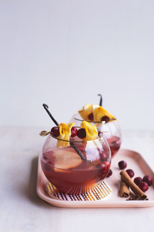 Slow-Cooker Winter Ros é  Sangria