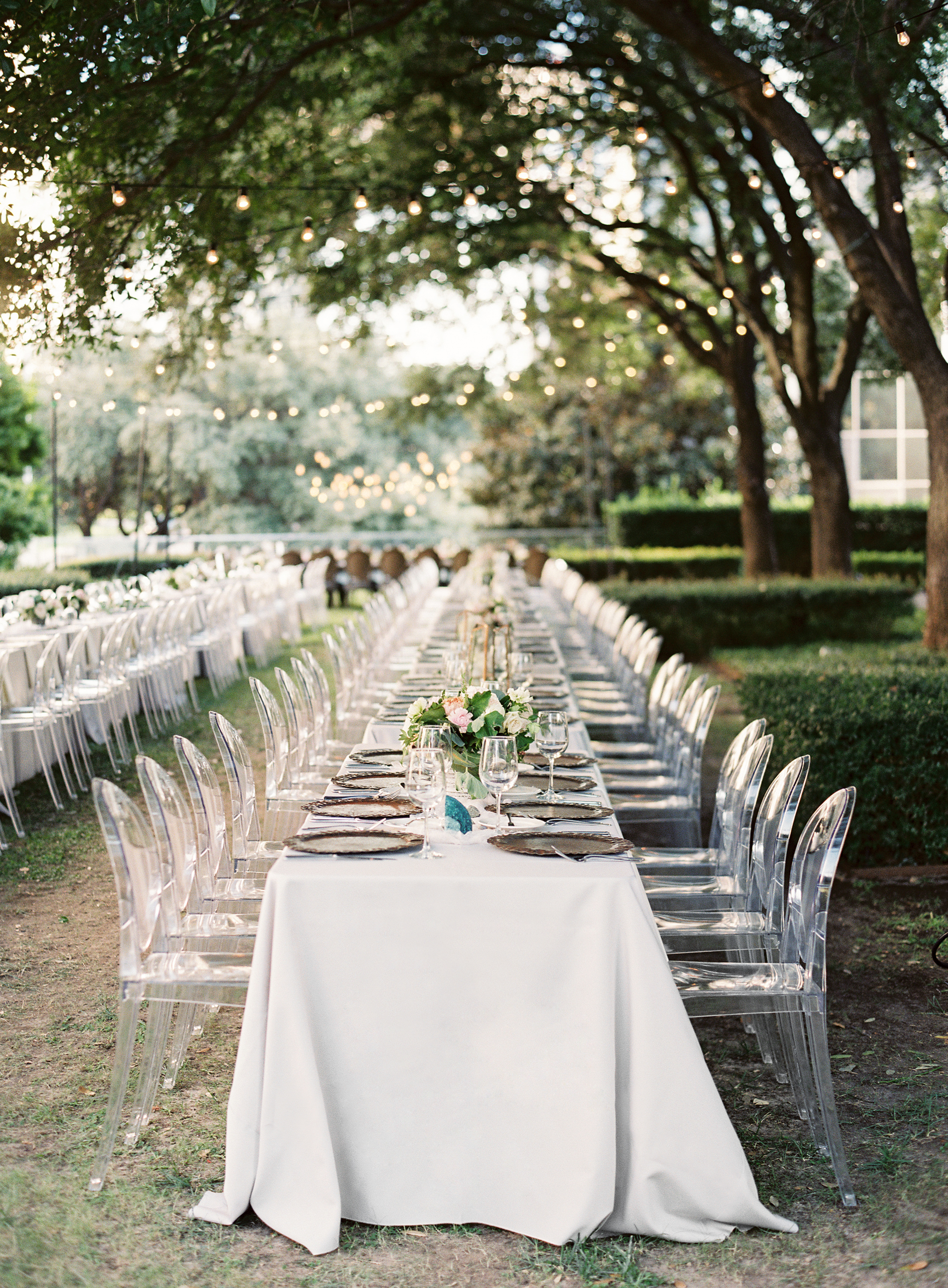 Jenna & Jon: Dallas Garden Wedding - Lindsey Brunk