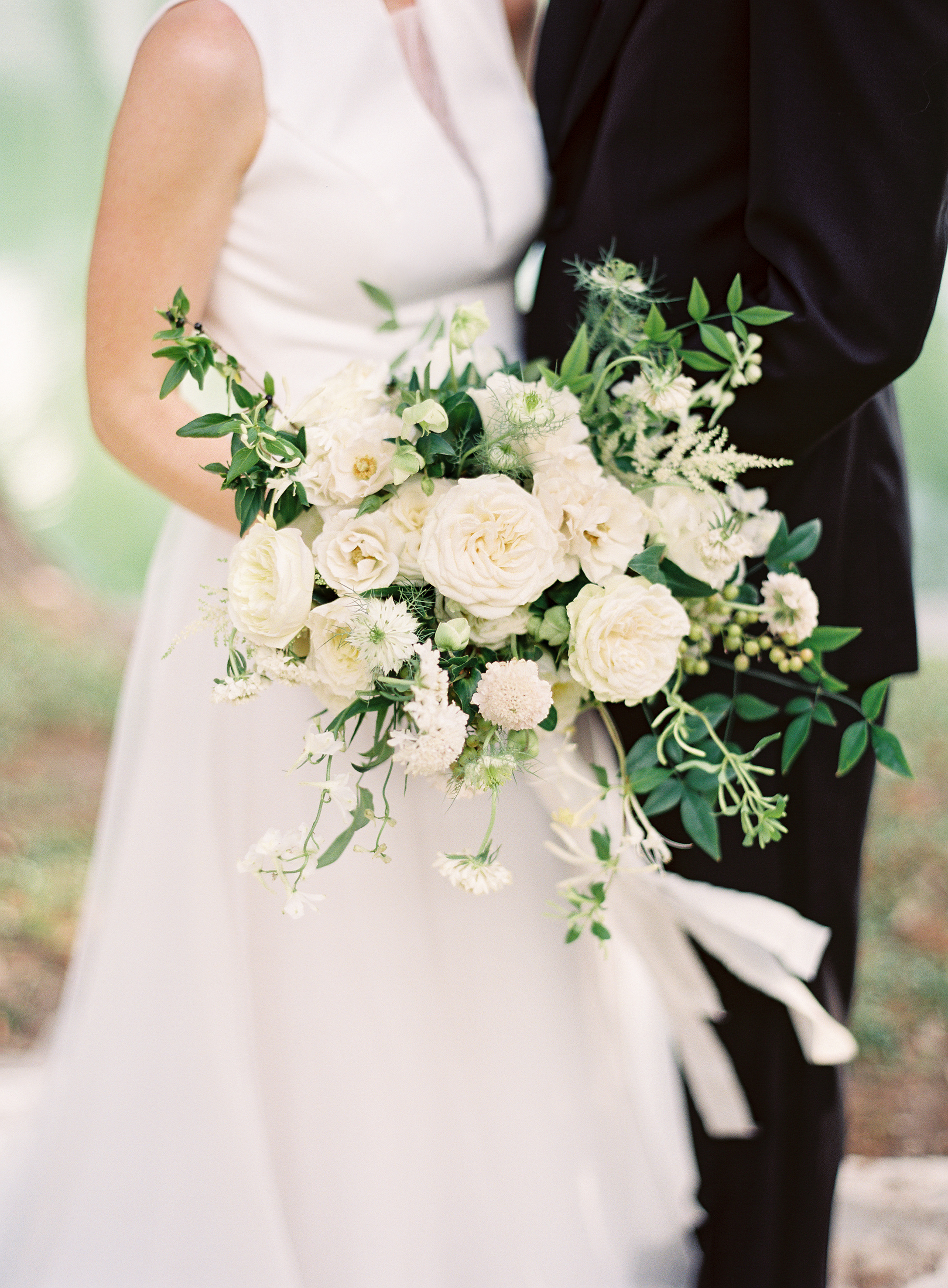 A Sophisticated Hill Country Wedding - Lindsey Brunk