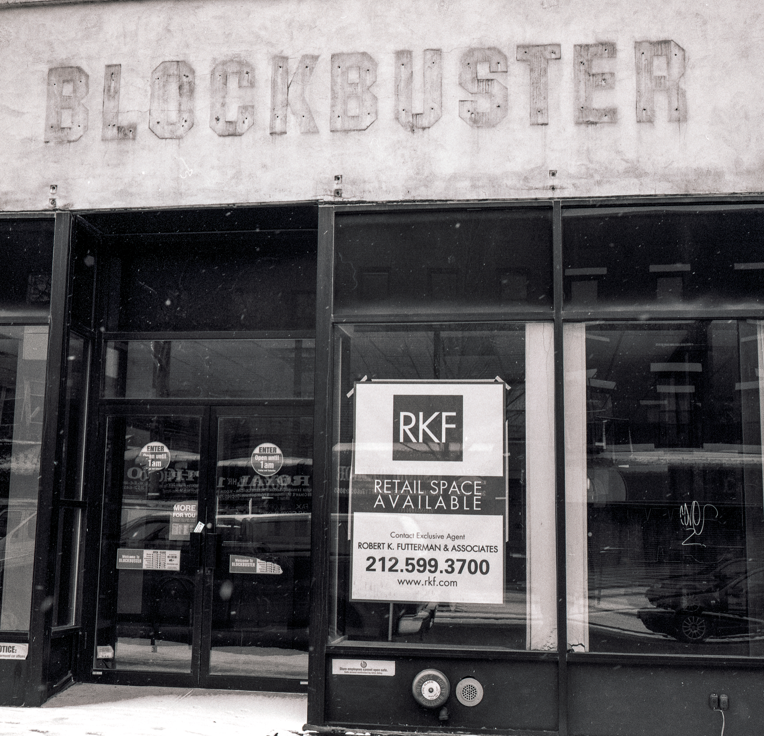 003_blockbuster_courtst_gone.jpg