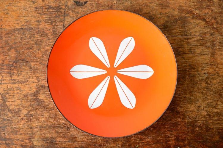 Catherineholm orange lotus platter