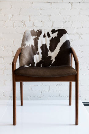 I don't have to tell you that this teak chair is FABULOUS...it's all about the Mid-Century period these days and this chair is a wonderful example of this period.