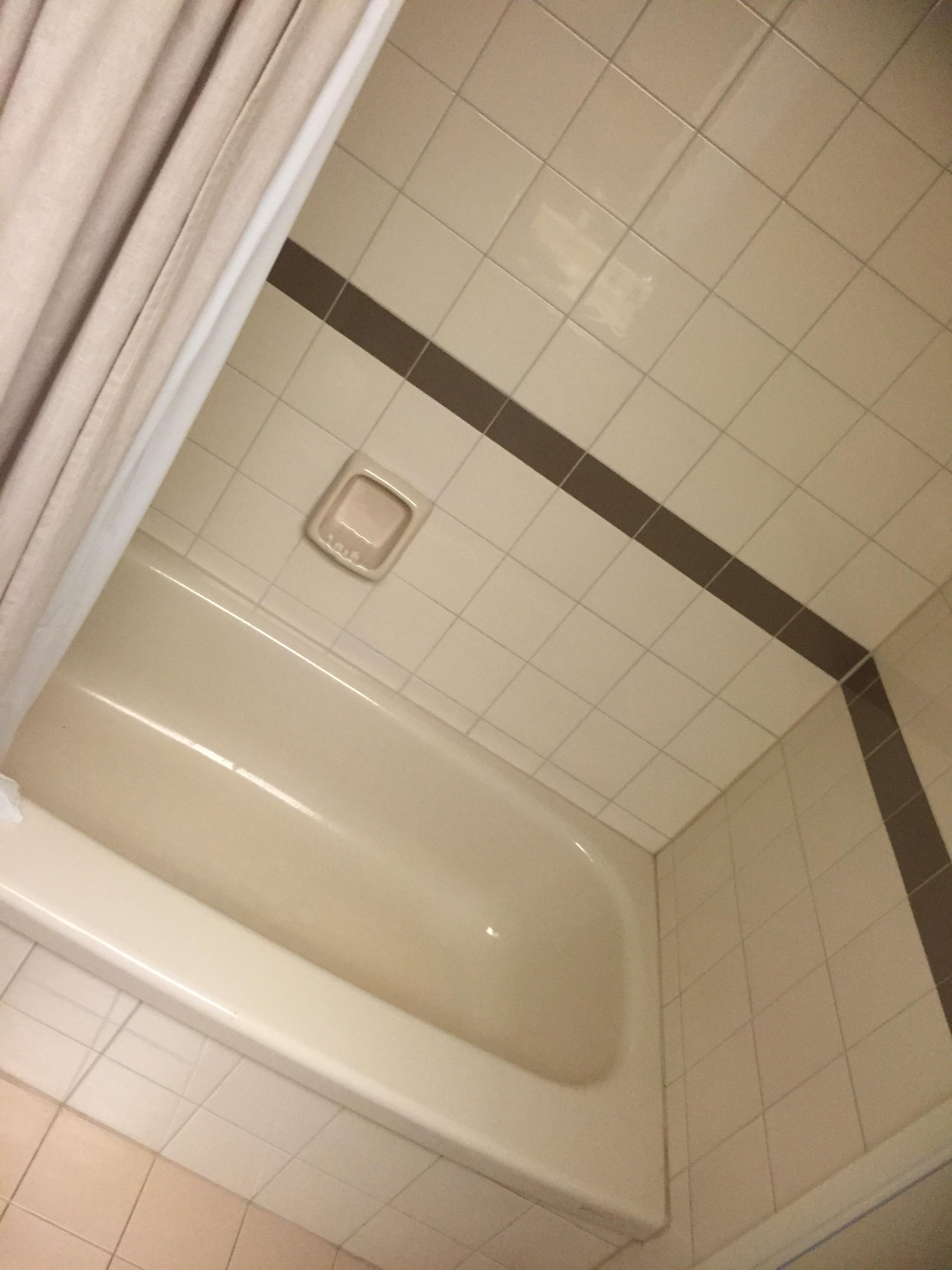 main bath 1.JPG