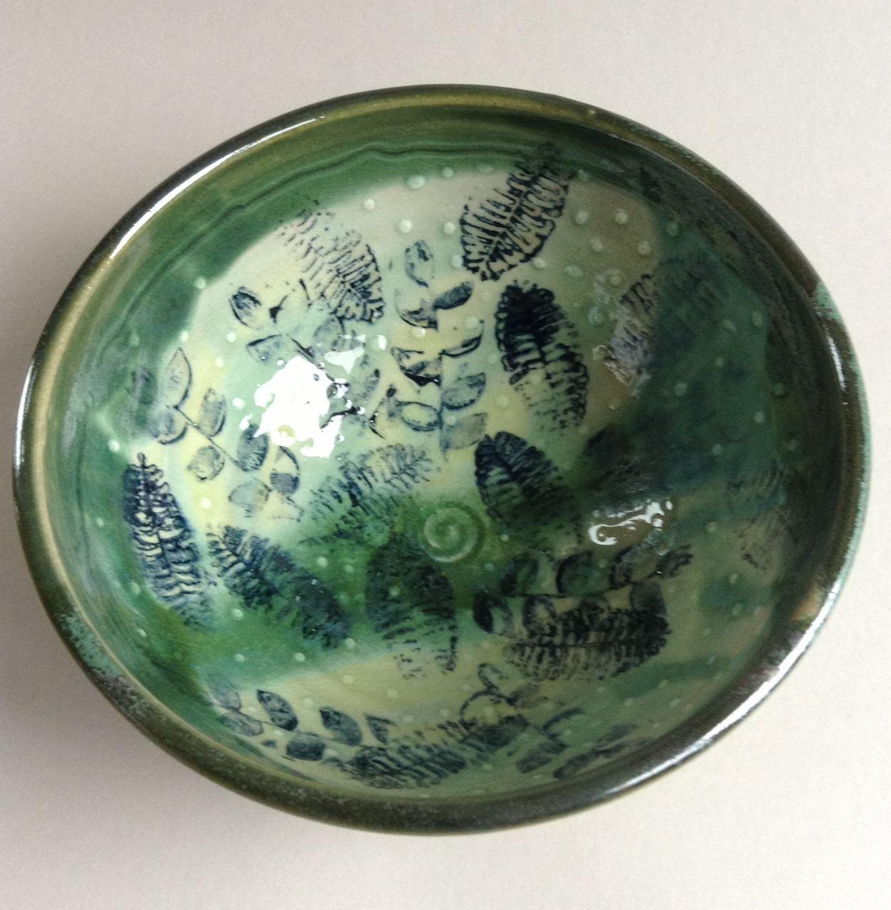 stoneware bowl in green