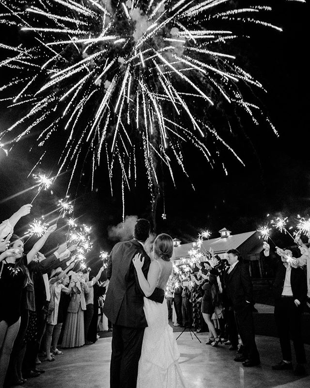That one time fireworks went off in the sky DURING the sparkler exit. 😍  Absolutely uhhhmazing.  This couple loves big, so it was fitting that their send-off was big too. Epic, in fact.  Well done @chestnutridgeevents 👏🏼👏🏼 #haleywranglesthecolt