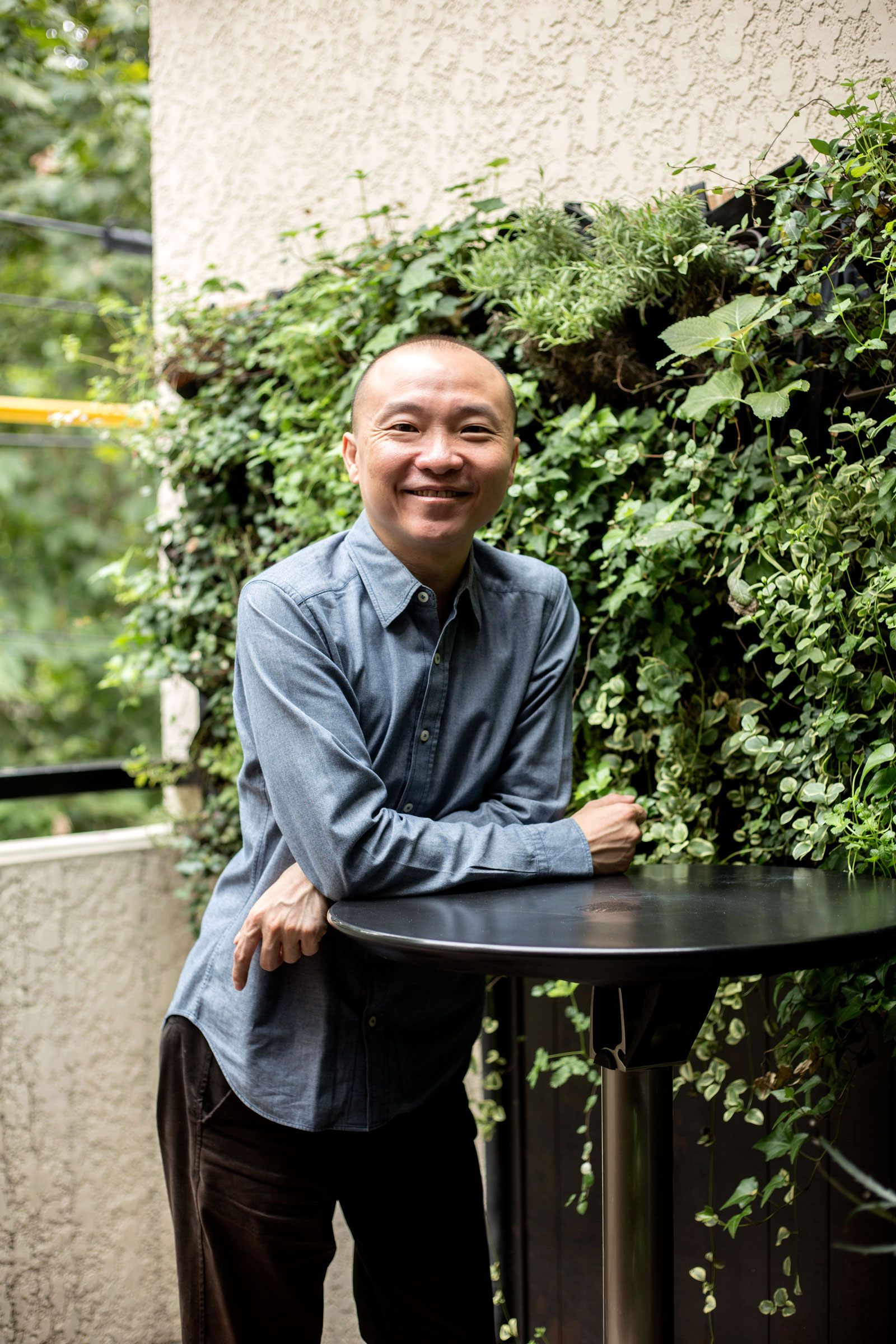 Brian Tan on the terrace (Jeremy Smart for  Aerostorie )