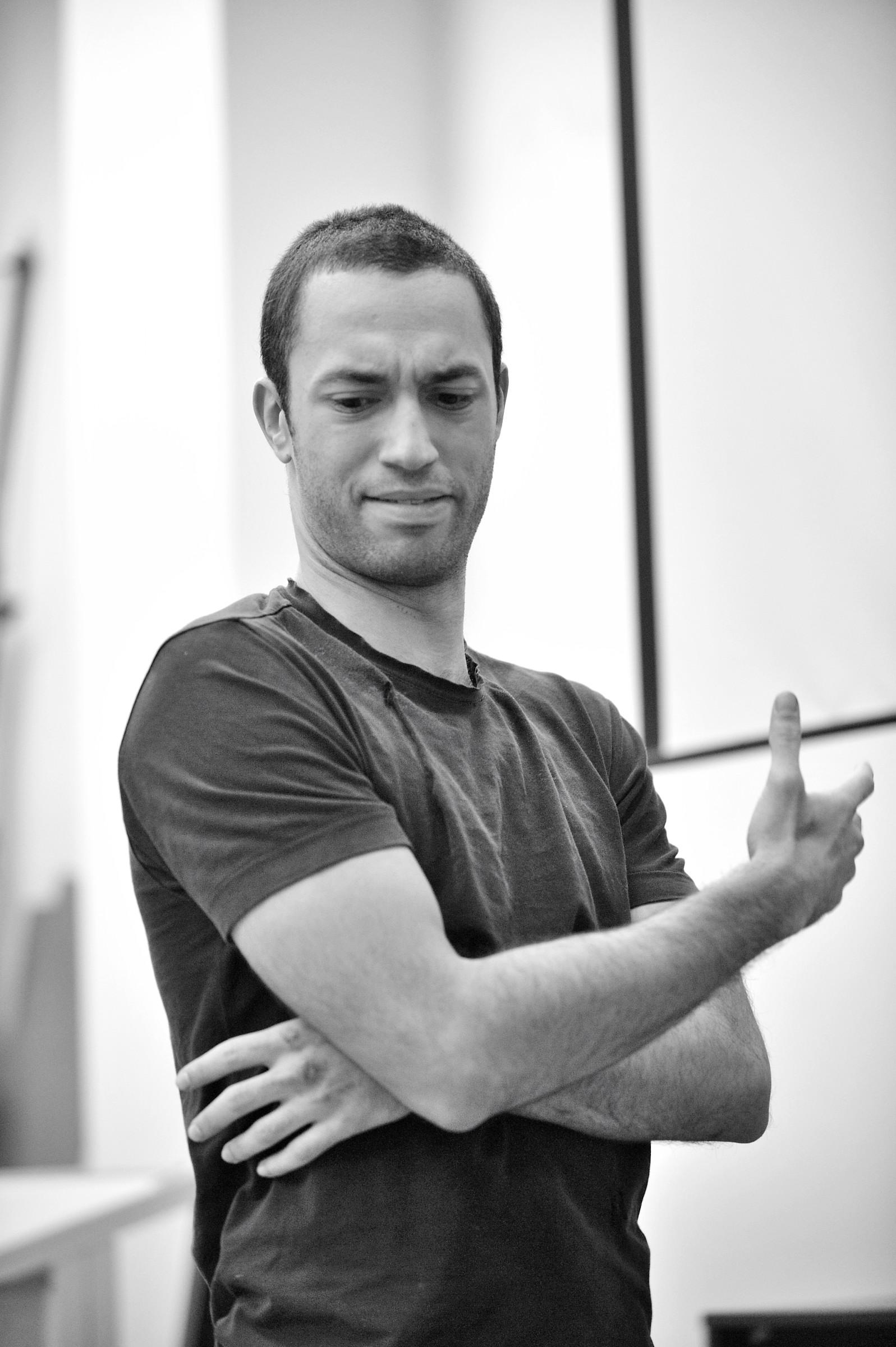 Performer: Tim Wardell   Photo: Jeremy Yao
