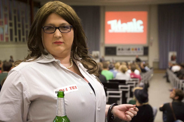 Bundestagswahlkampf 2013: Die Vorsitzende der FTP - Freie Tuntenpartei.