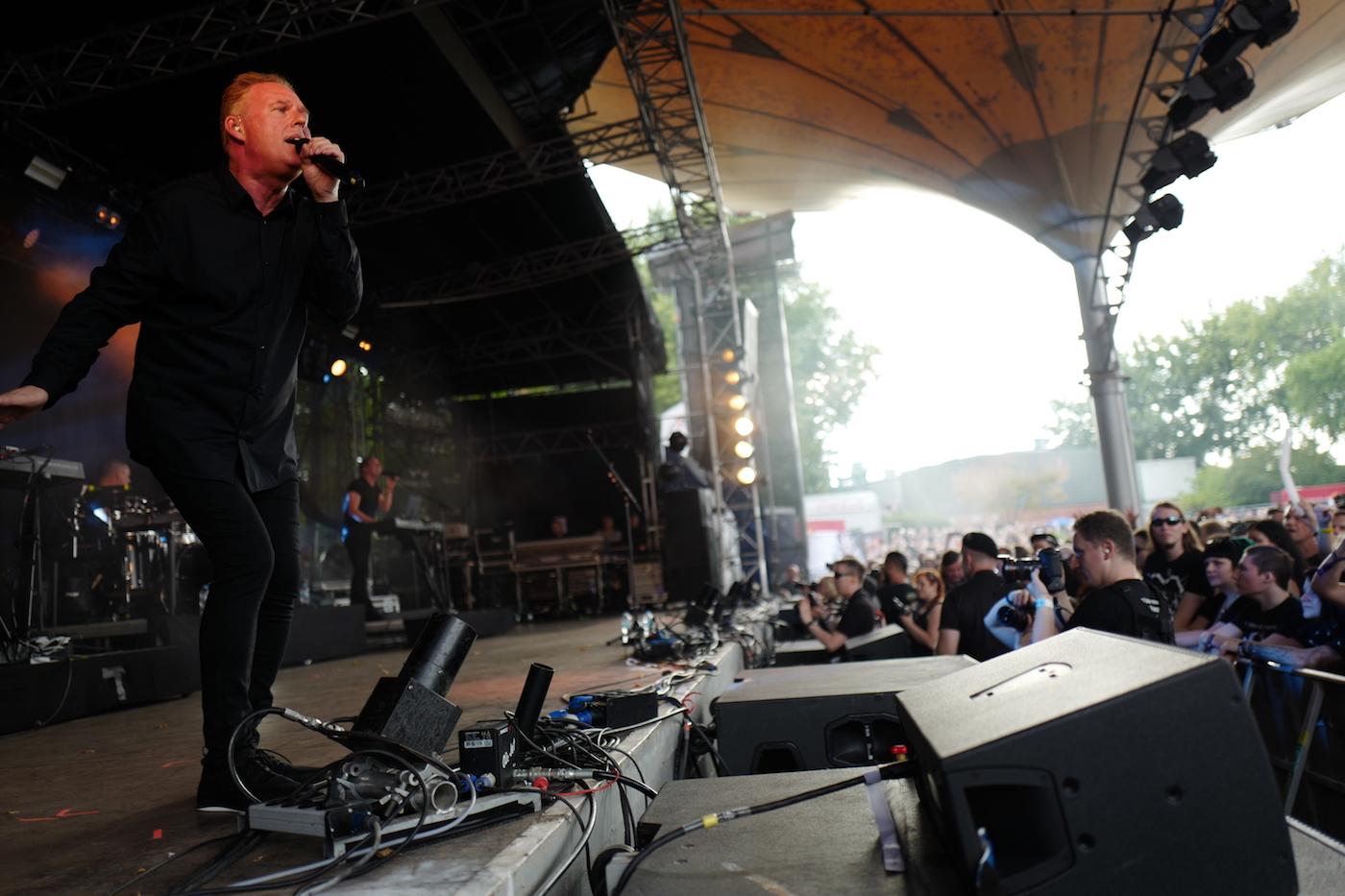 mark_benecke_amphi_festival_koeln_cologne_tanzbrunnen_gothic_OMD_oomph_agonoize_mono_inc_es23_sitd_solar_fake - 74.jpg