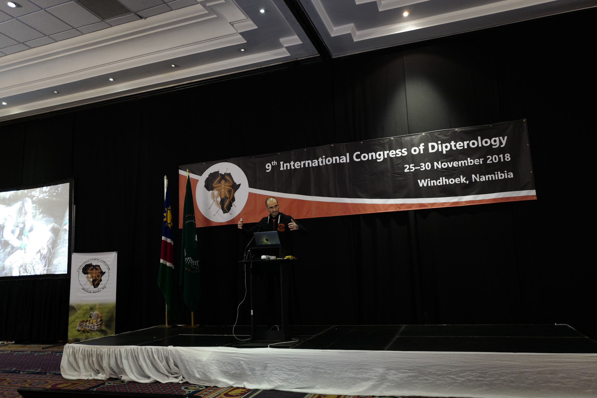 mark_benecke_ICD9_dipterology_world_congress_windhoeck_namibia - 155.jpg