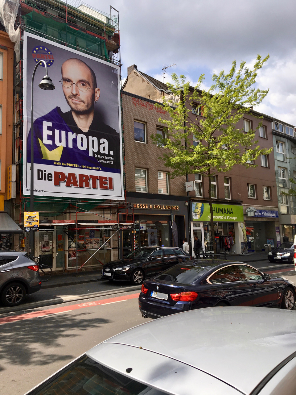 mark_benecke_PARTEI_europa_wahl_riesen_poster_venloer_strasse_koeln.jpeg