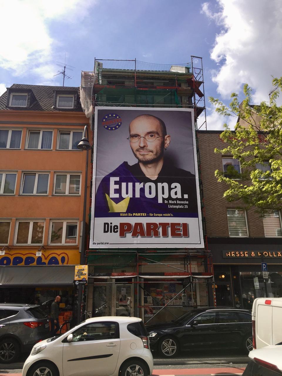 mark_benecke_PARTEI_europa_wahl_riesen_poster_venloer_strasse_koeln_2..jpeg