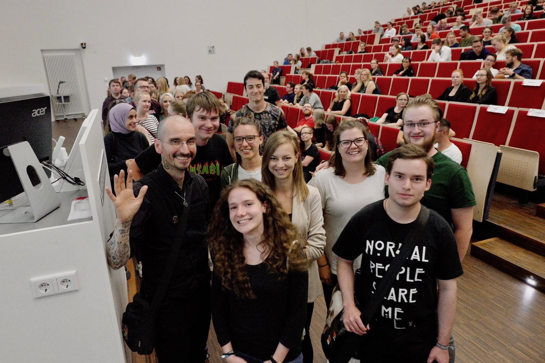 mark_benecke_universitaet_leipzig_fotos_semester_abschluss_vorlesung - 50.jpg