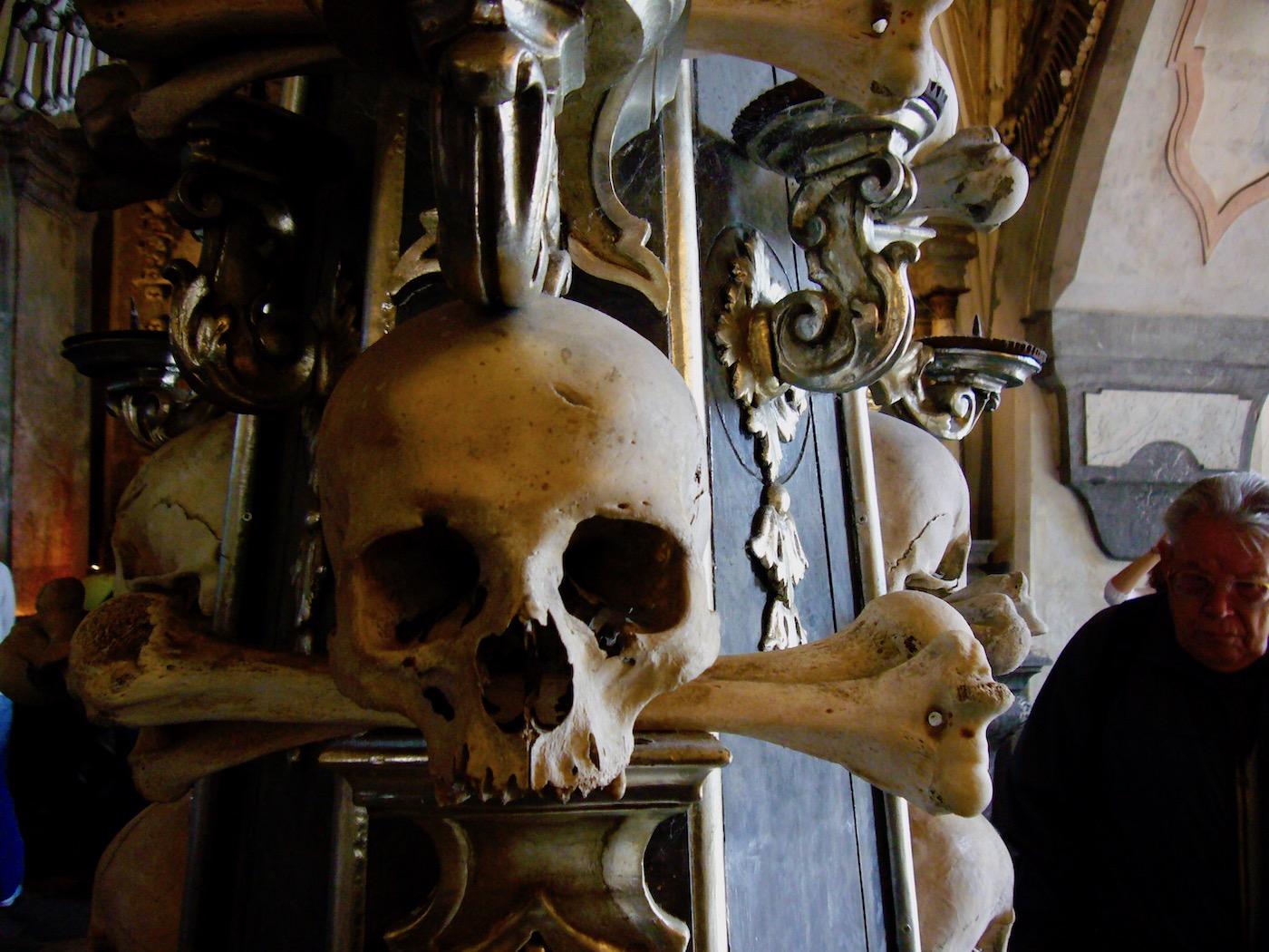 mark_benecke_kutna_hora_sedlec_prag_prague_ossuary_ossuarium - 118.jpg