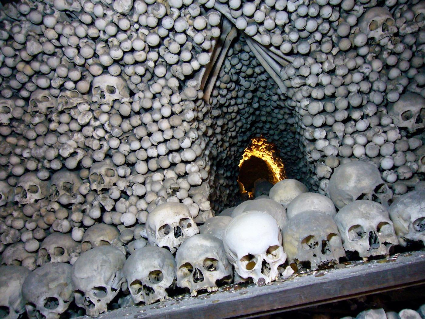 mark_benecke_kutna_hora_sedlec_prag_prague_ossuary_ossuarium - 127.jpg