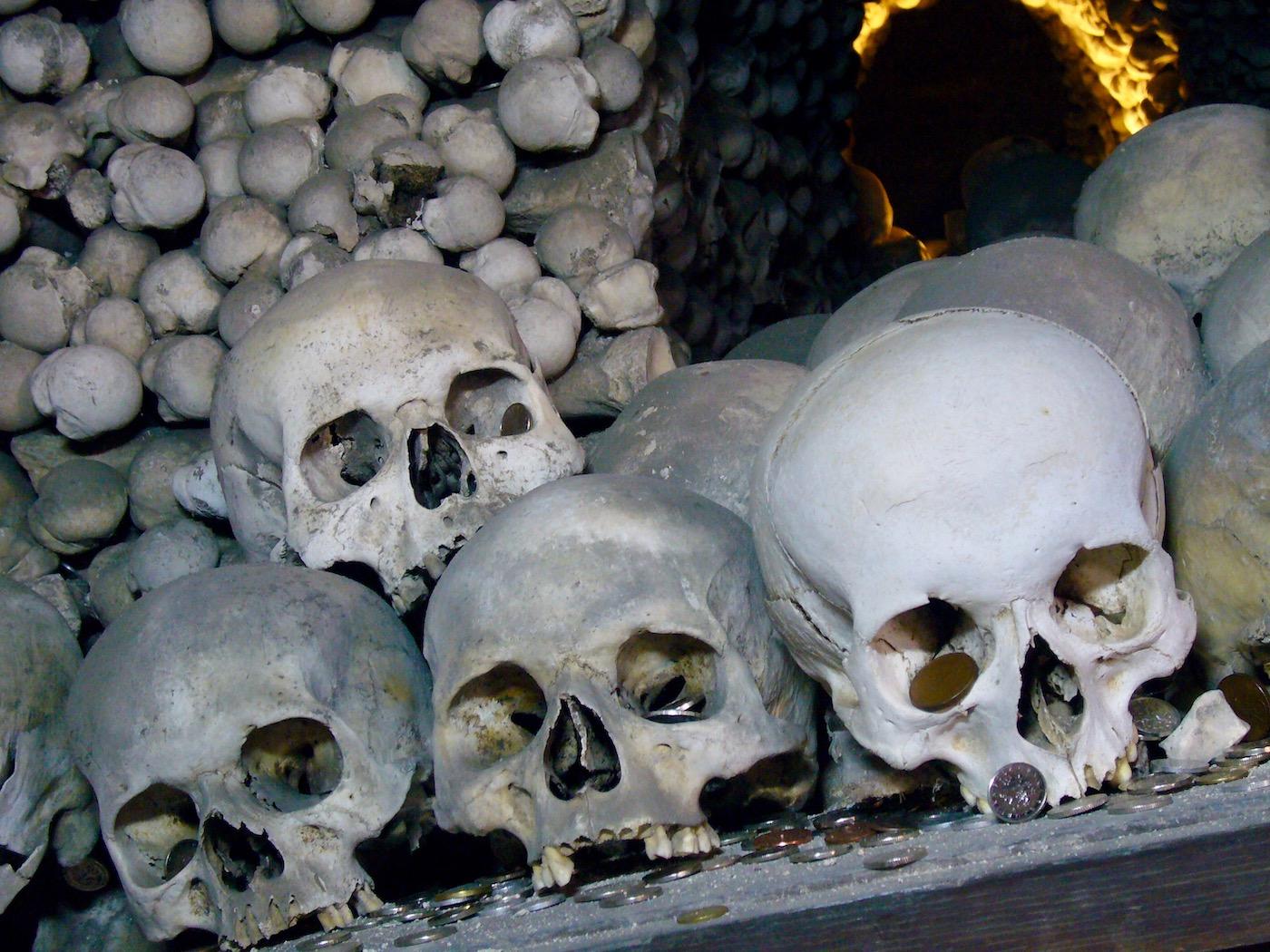 mark_benecke_kutna_hora_sedlec_prag_prague_ossuary_ossuarium - 128.jpg