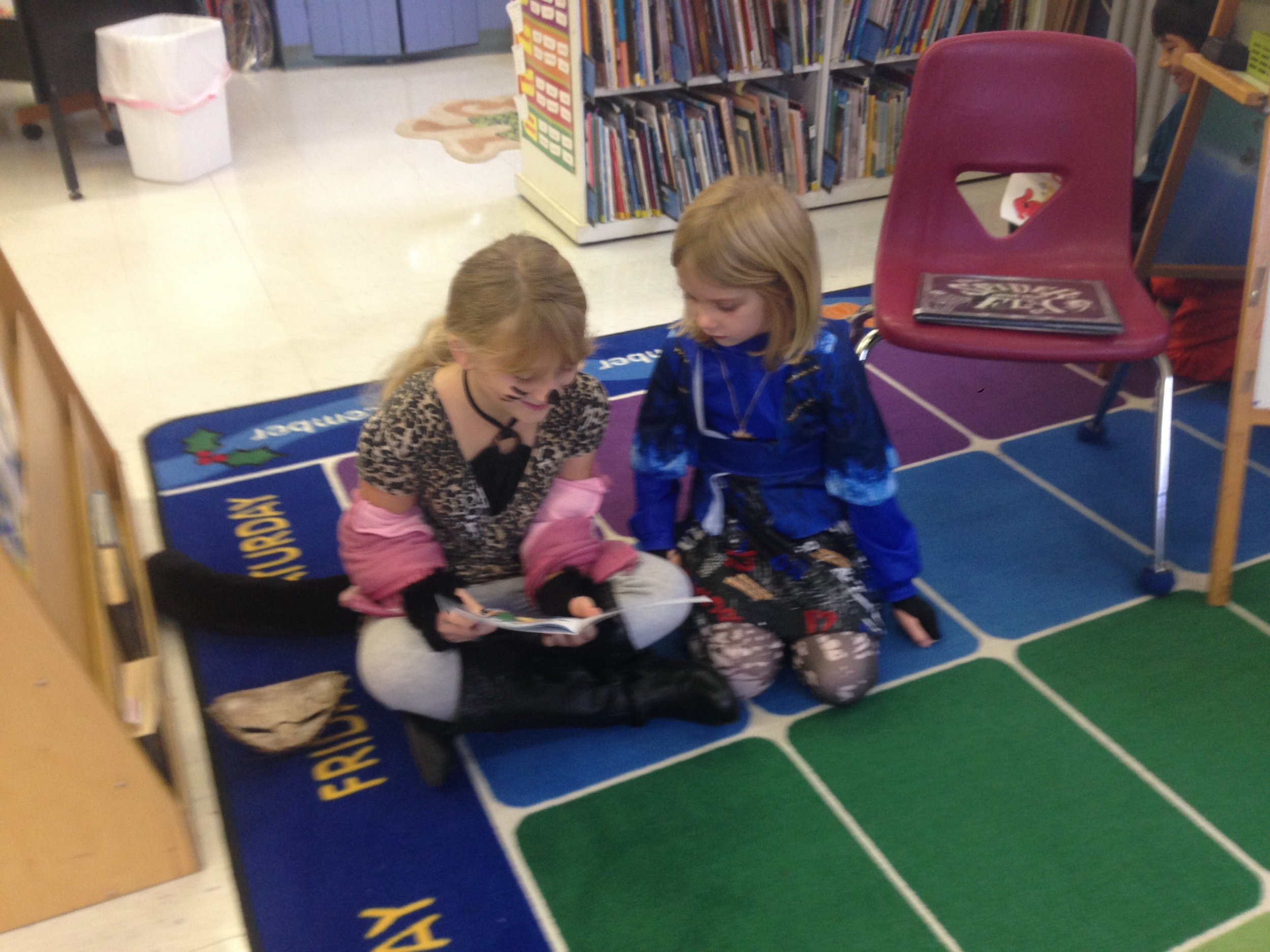 Lila read Sofie a silly story!