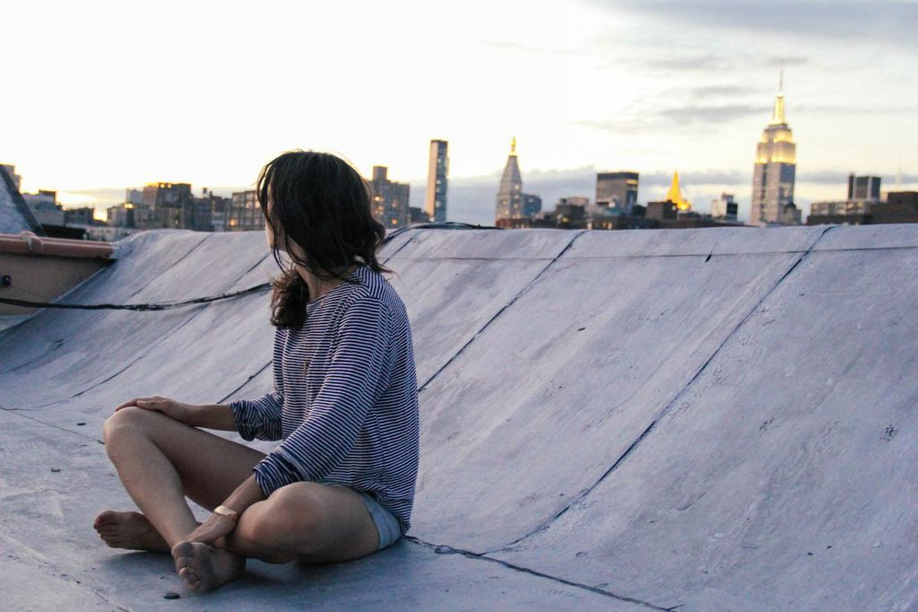 tati barrantes roof : waiting for saturday