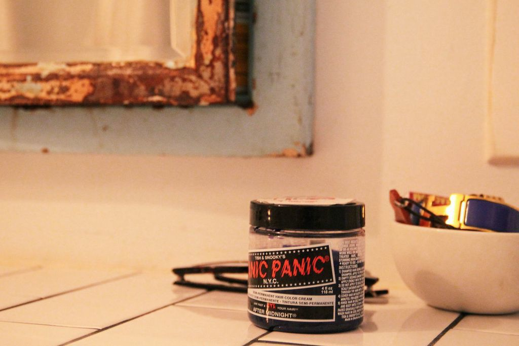 waiting for saturday : lyndsey butler veda manic panic