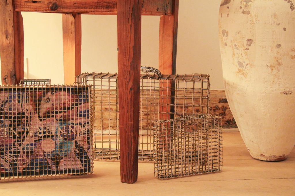 waiting for saturday : anndra neen apartment caged clutches