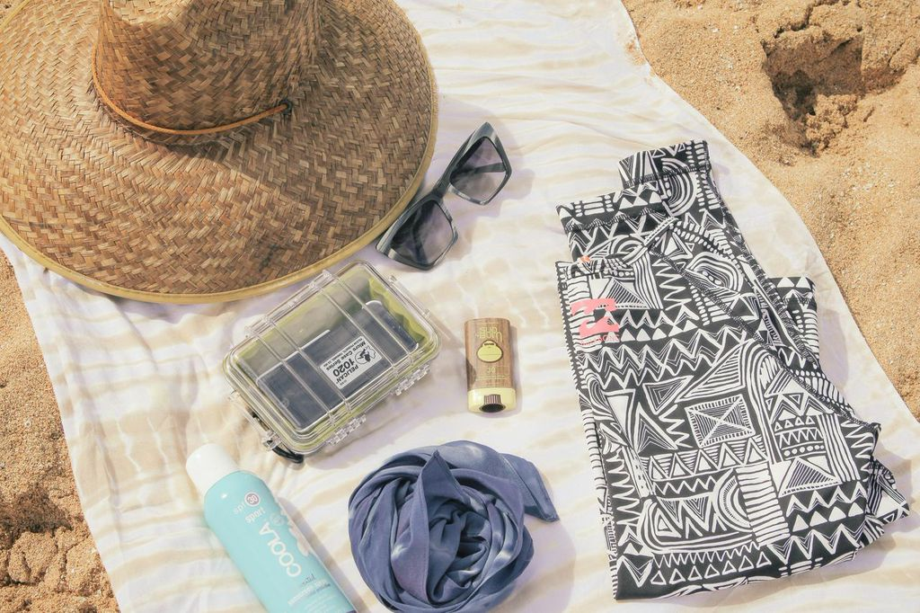 waiting for saturday : beach essentials