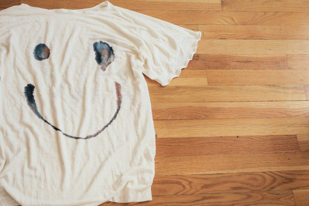waiting for saturday : alice waese d.i.y. t-shirt