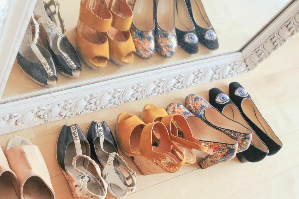 waiting for saturday : cosi theodoli braschi shoes