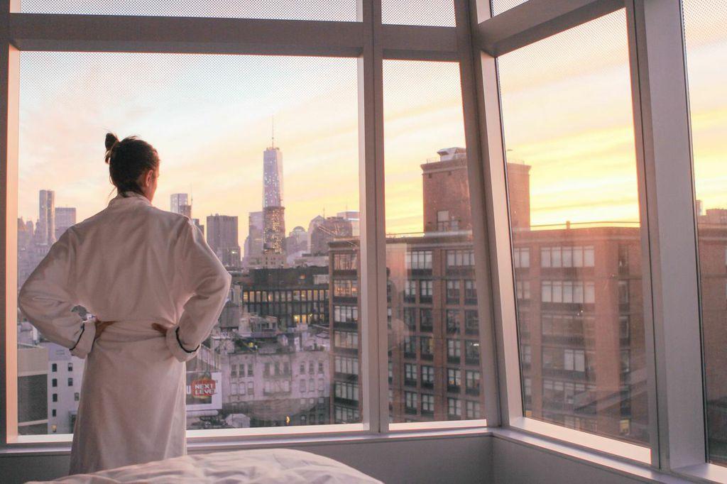 waiting for saturday : new york city sunset
