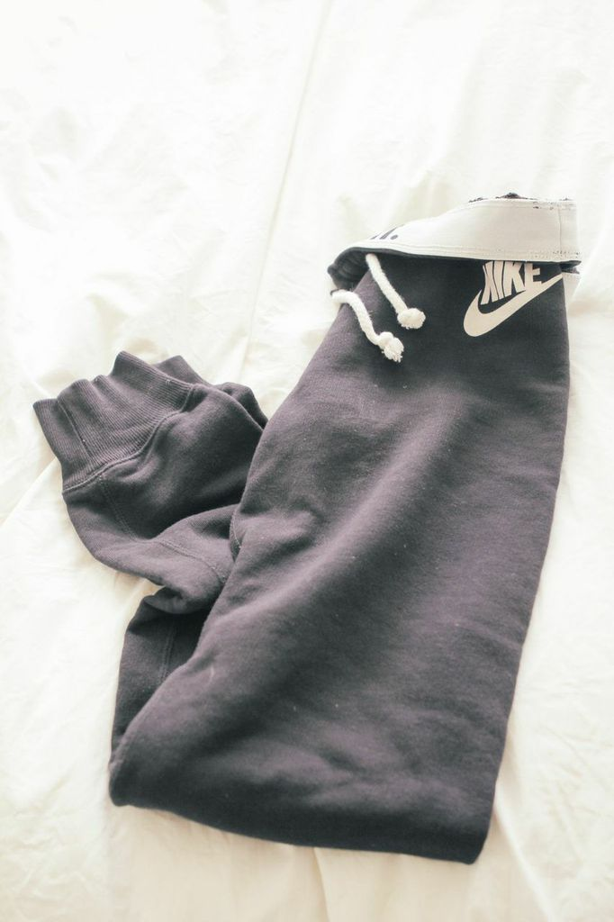 waiting for saturday : nike track sweats