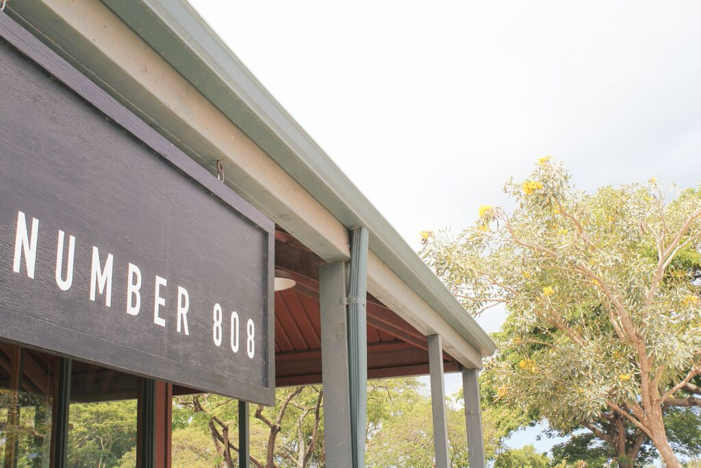 waiting for saturday : number 808 oahu's north shore