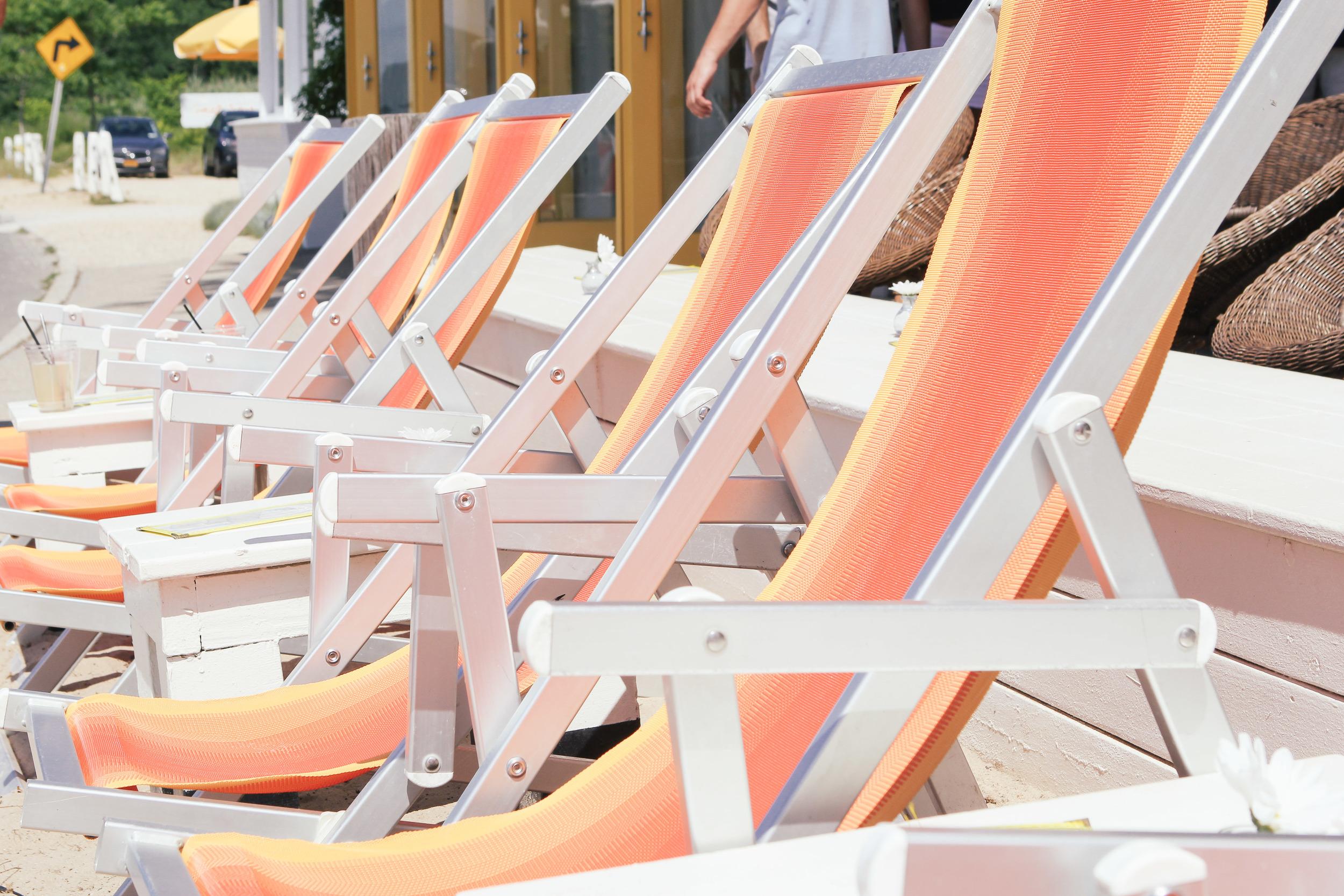 waiting for saturday : shelter island sunset beach hotel