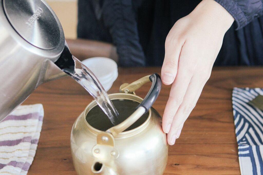waiting for saturday : kathy chan tea oolong