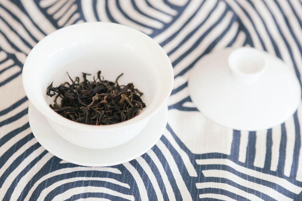 waiting for saturday : kathy chan oolong tea