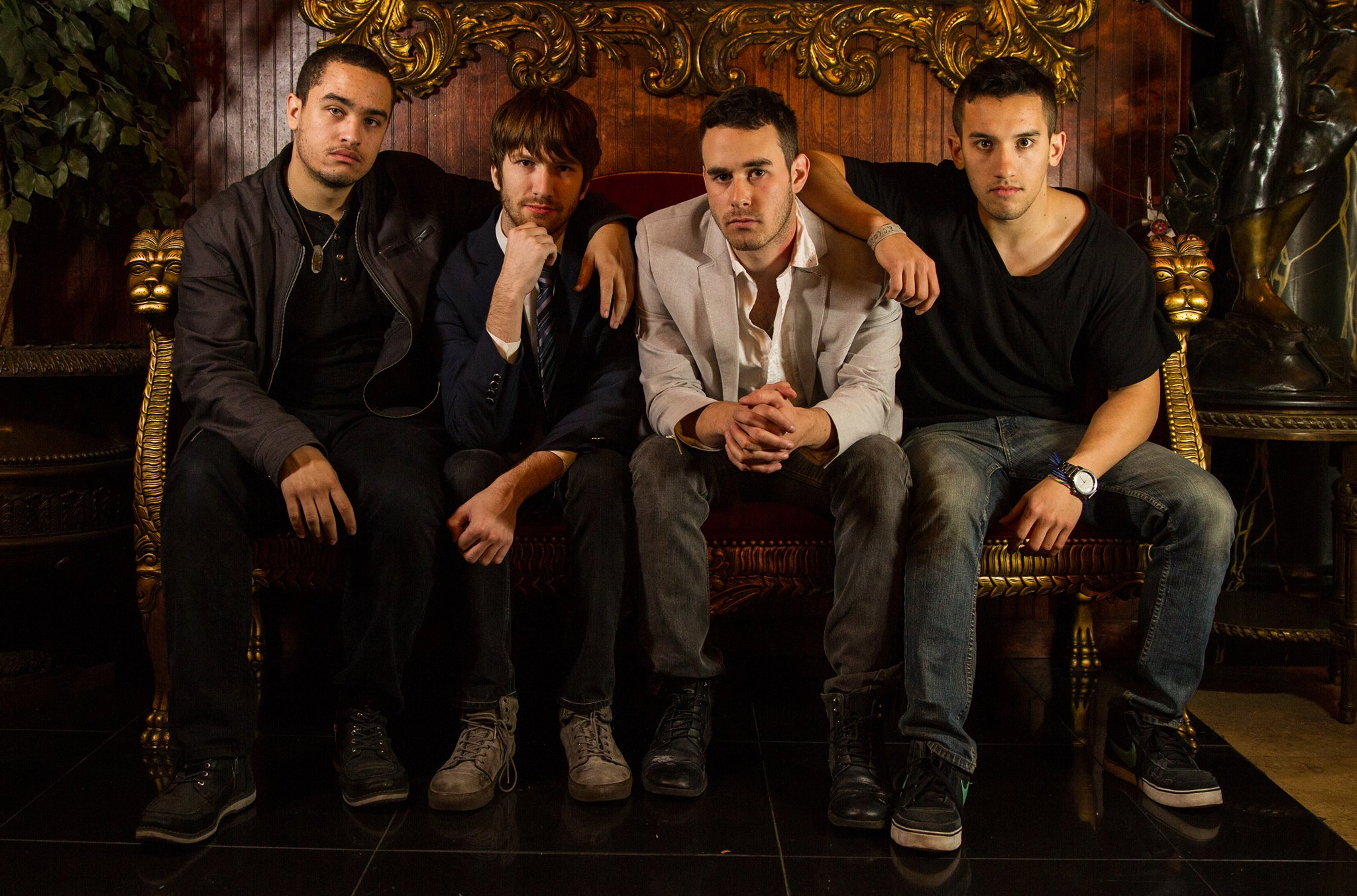 Walk Off Hits is a pop/rock band that consists of Ross LaMarca- Vocals, Lead Guitar,Spencer Sasarita-Drums, Backing Vocals,Rion Rogers-Keyboards, Backing Vocals, and Will Bauer-Bass, Backing Vocals. http://www.walkoffhits.com