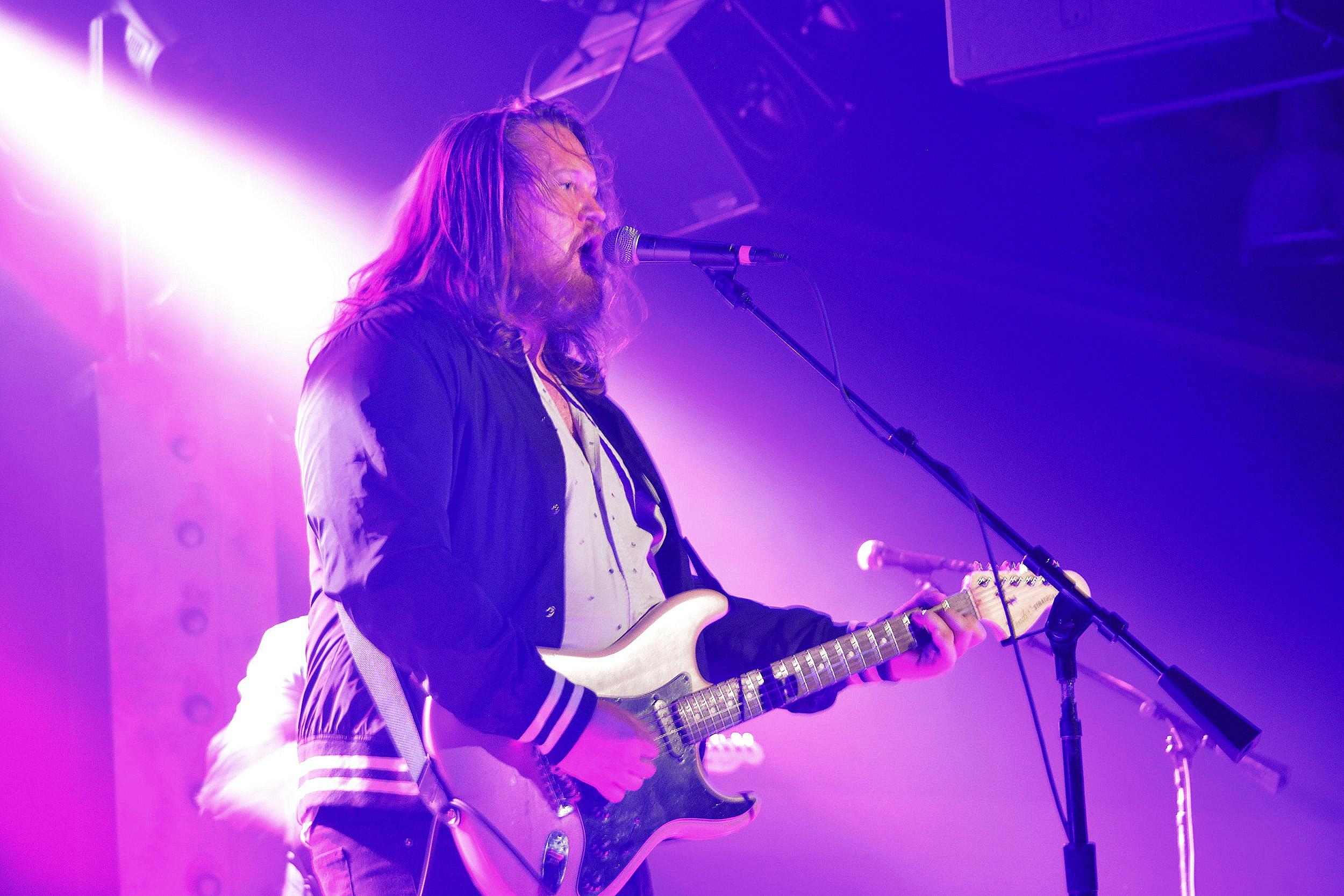 Pete Burton - Guitar, Vocals, Photo: Elsa Cantu