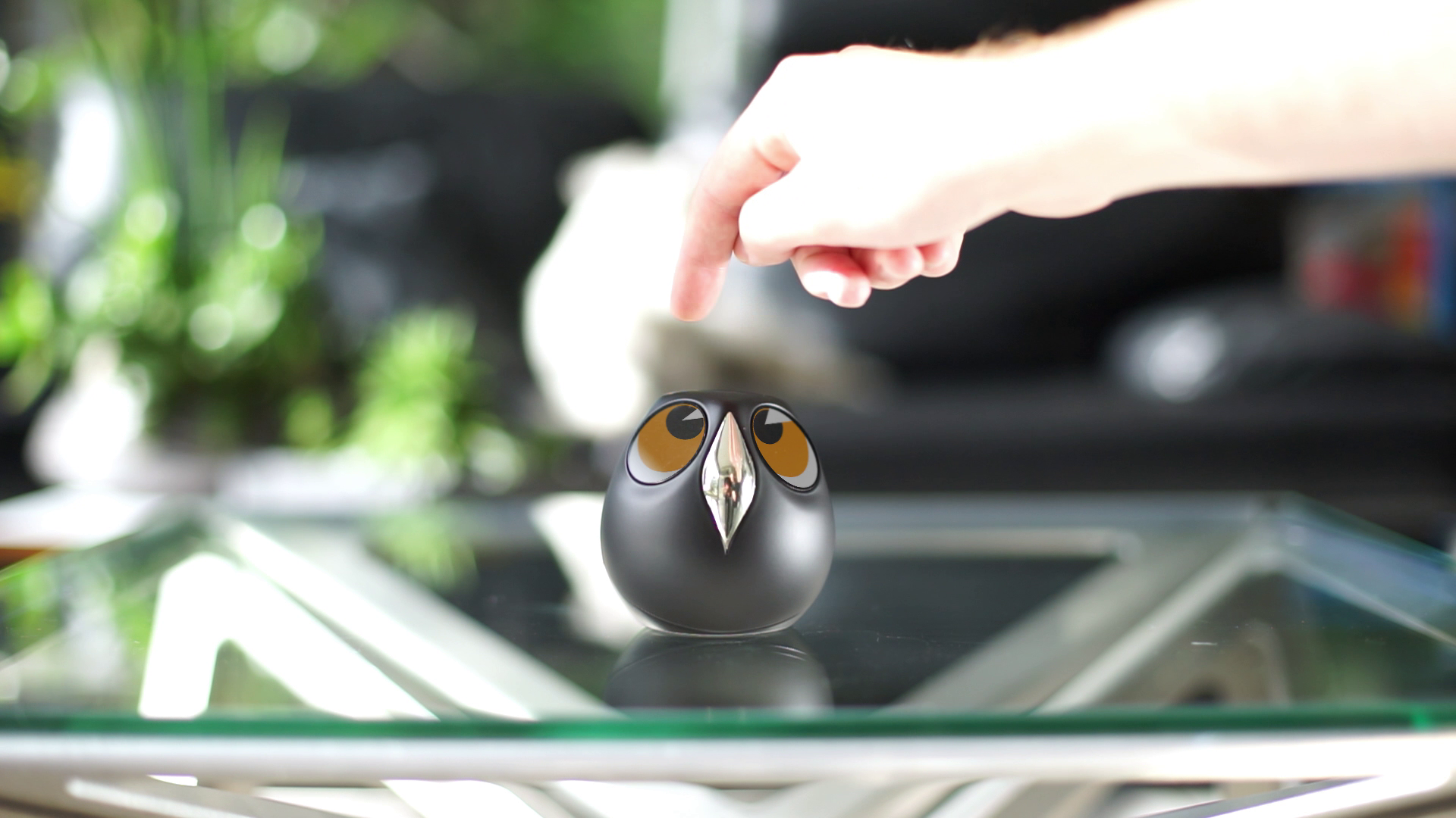 Ulo, the interactive home monitoring camera