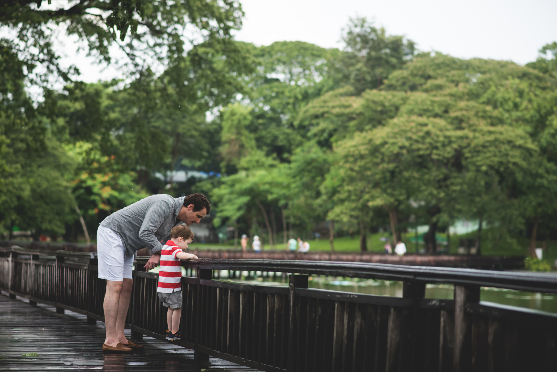 family-kandawgyi-lake-yangon.jpg