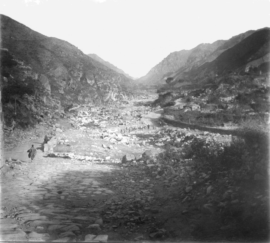 Valley close to Beijing, 1929