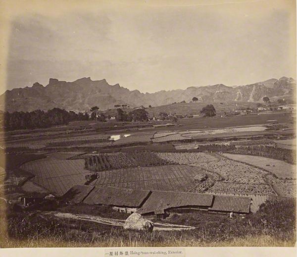 Hsing-tsun-wai-ching, Exterior, c. 1860s–70s, albumen silver print