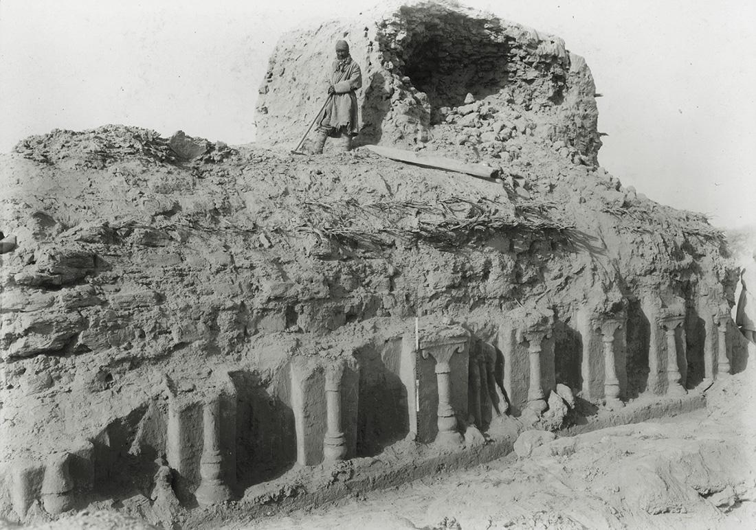 M. II, N.E. passage, Miran. Photo 392/27(119). © British Library