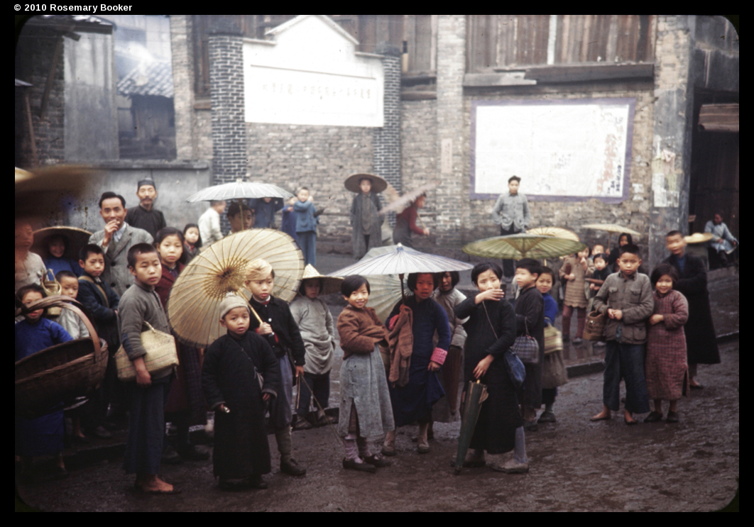 Children with umbrellas, Chungking, 1945 (RB-t889) © 2010 Rosemary Booker
