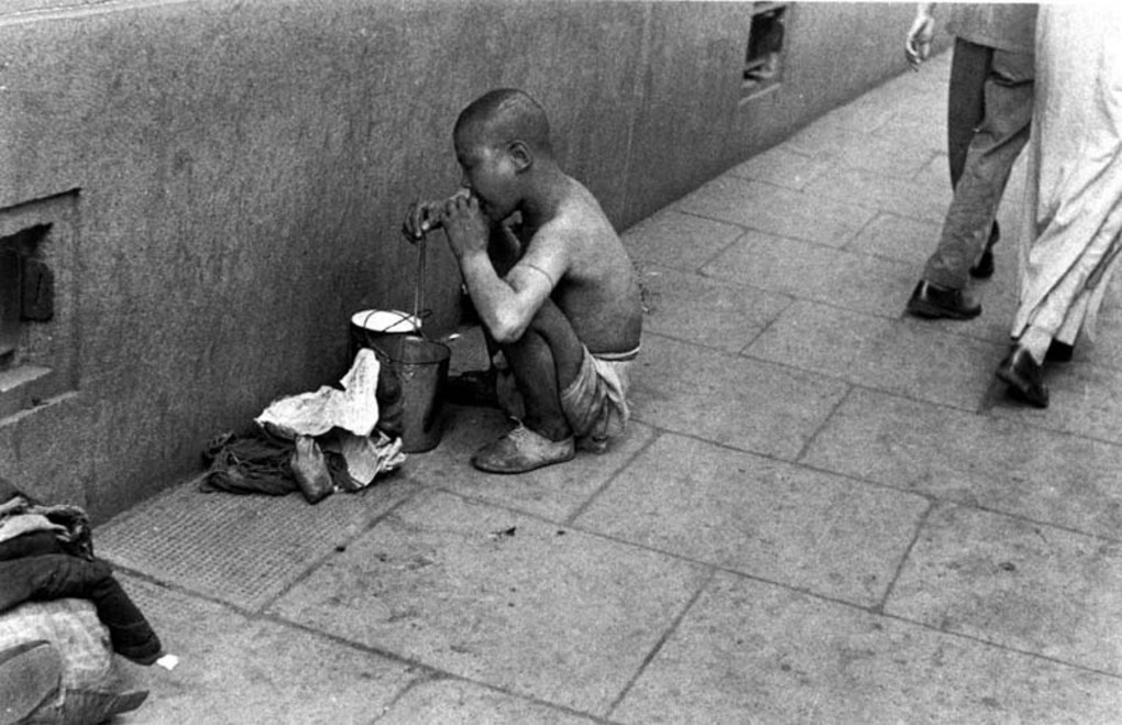 Child beggar, 1949. Image courtesy of the Institut d'Asie Orientale and Virtual Shanghai