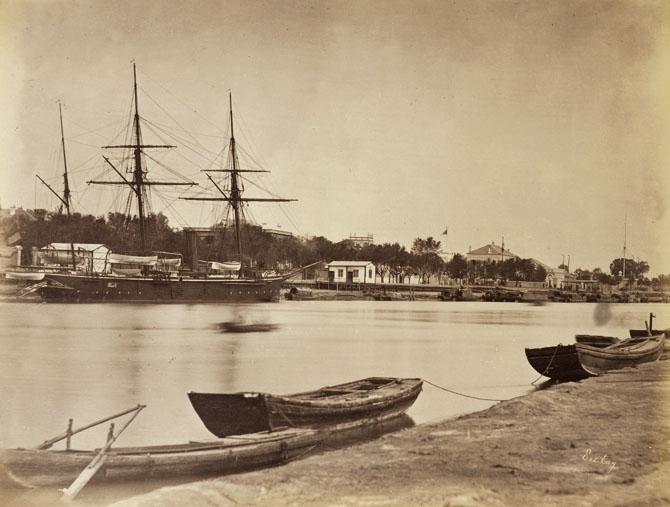 liang-shitai-1870s-boat-photographyofchina.jpg
