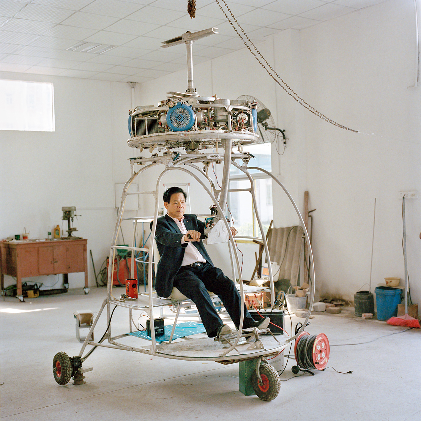 xiaoxiao-xu-aeronautics-in-the-backyards-2015-photography-of-china-04.jpg