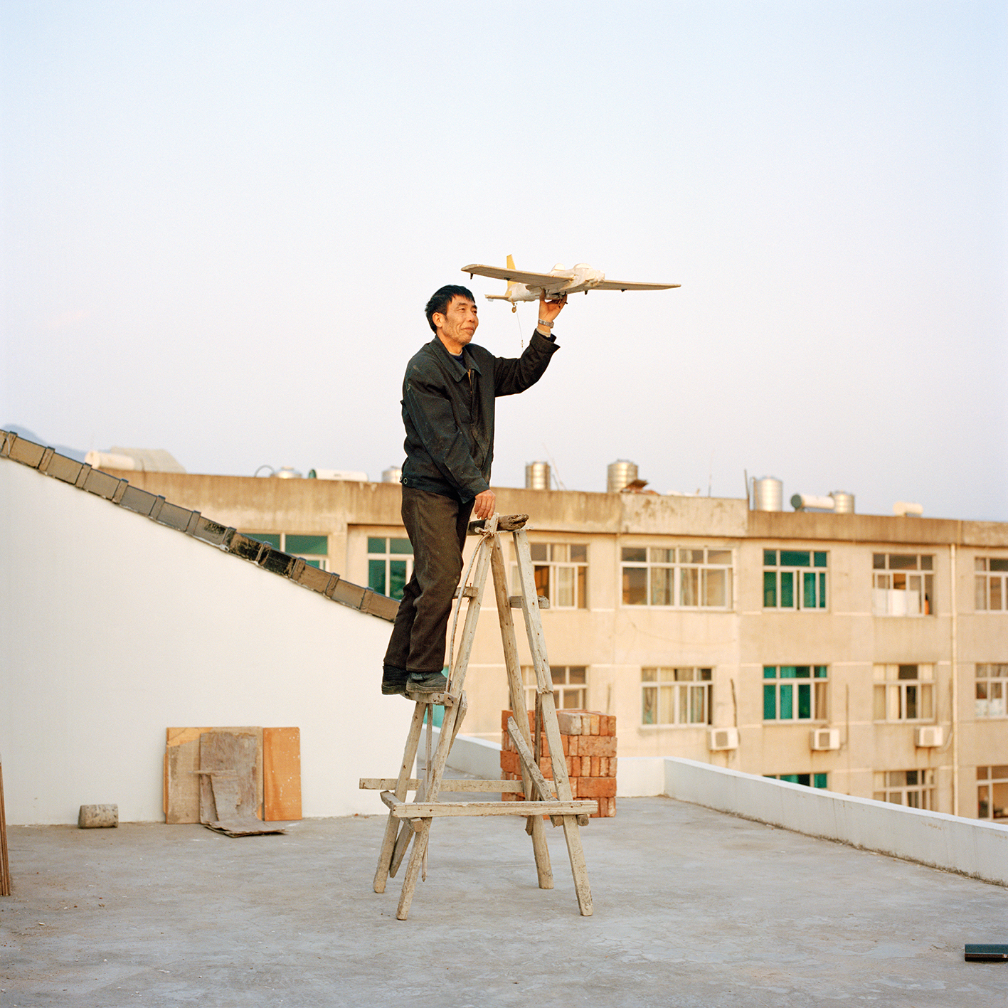 xiaoxiao-xu-aeronautics-in-the-backyards-2015-photography-of-china-32.jpg