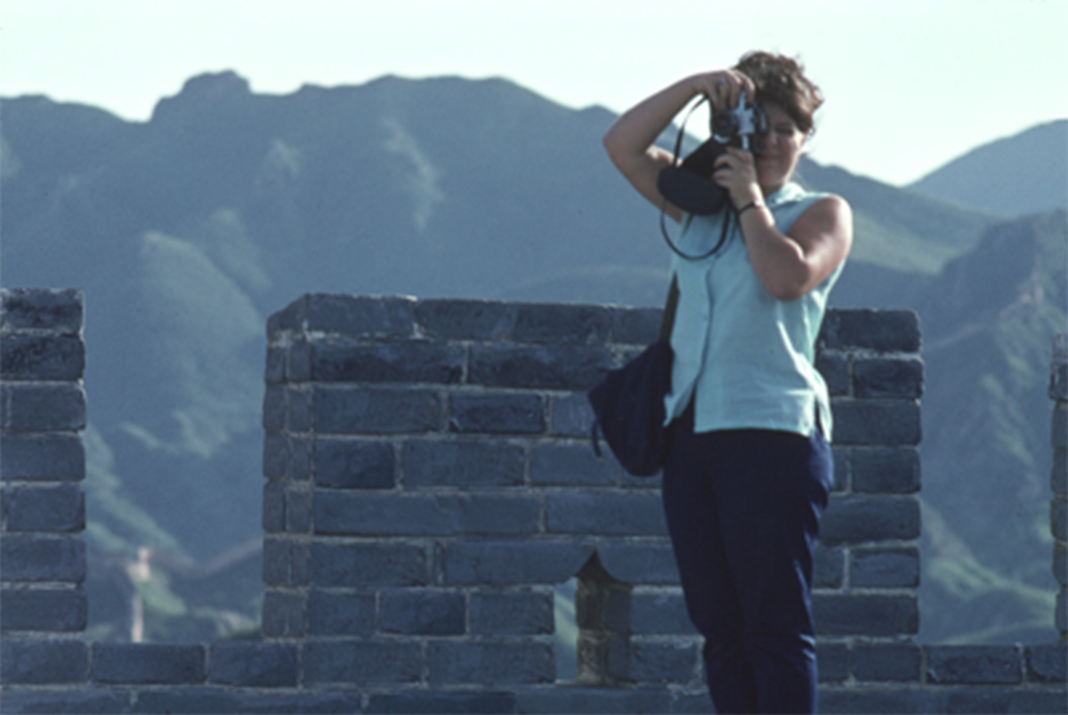 Portrait of Solange Brand on the Great Wall in the 1960s © Solange Brand