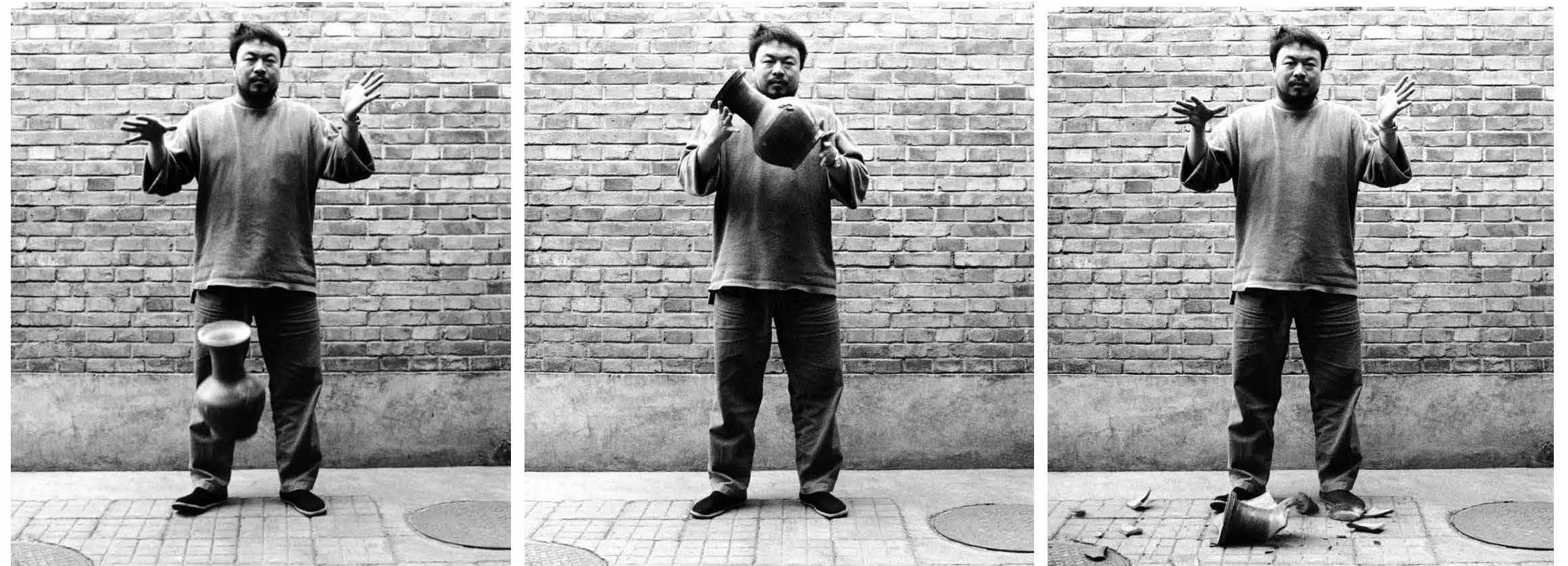 Ai Weiwei, Dropping a Han Dynasty Urn, 1995 / Courtesy the artist and the Walther Collection