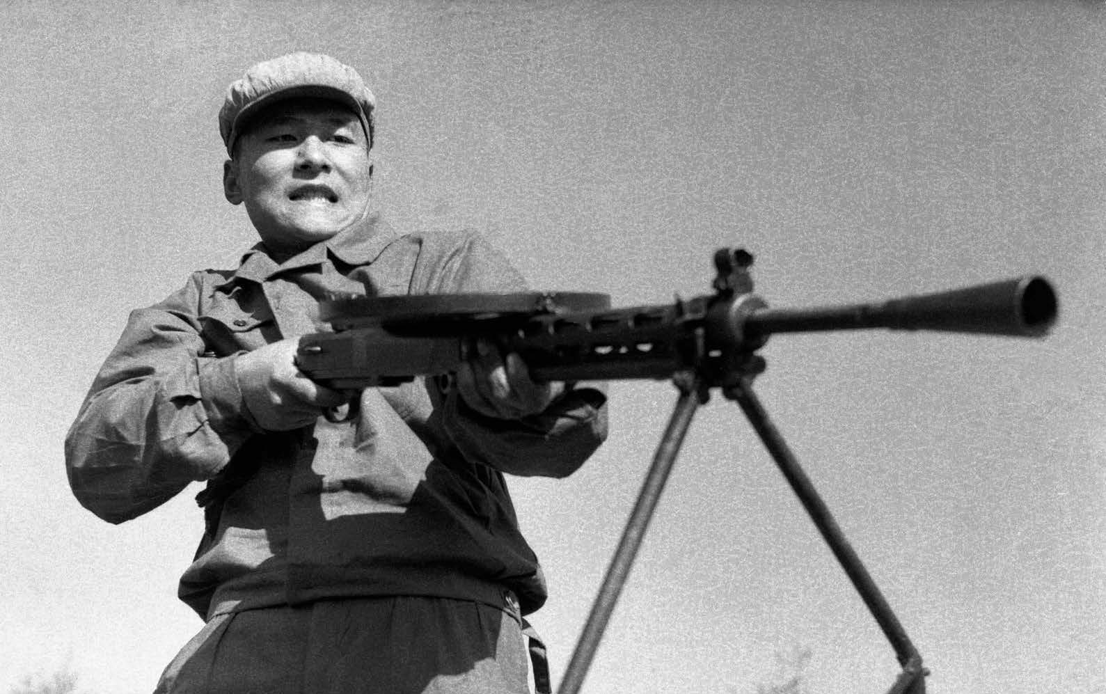 wang-qiuhang-cultural-revolution-selfies-1966-1976-photography-of-china-7.jpg