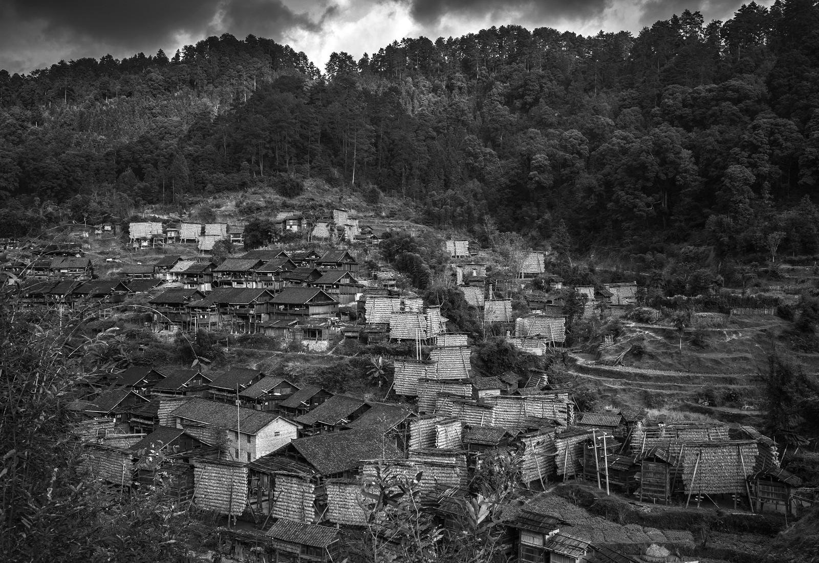 kuang-huimin-ancient-kam-rice-of-millennium-photography-of-china-(19).jpg