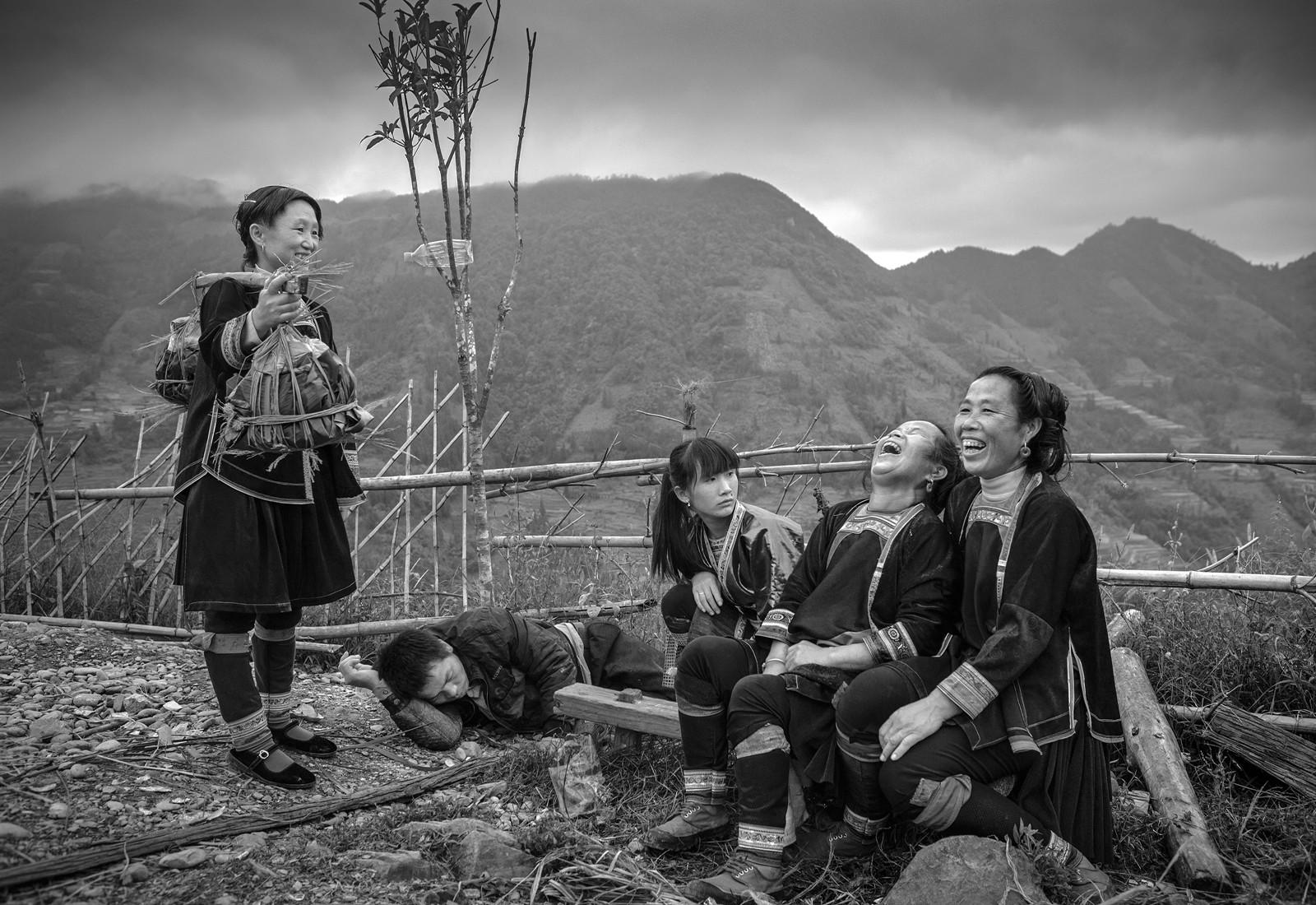 kuang-huimin-ancient-kam-rice-of-millennium-photography-of-china-(23).jpg